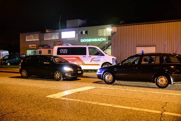 Gemäss den bisherigen Erkenntnissen der Polizei Basel-Landschaft ereignete sich die Messerstecherei kurz vor 20 Uhr.