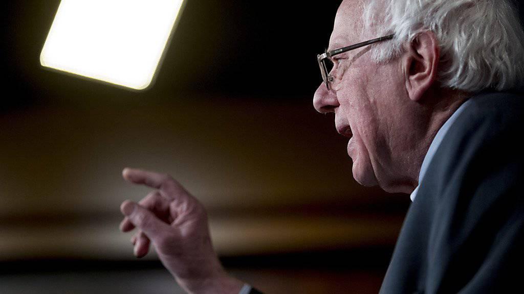 Eine Videoaufnahme heizt die Spekulationen rund um eine erneute US-Präsidentschaftskandidatur an: der parteilose aber mit den Demokraten stimmende Senator Bernie Sanders aus Vermont. (Archivbild)