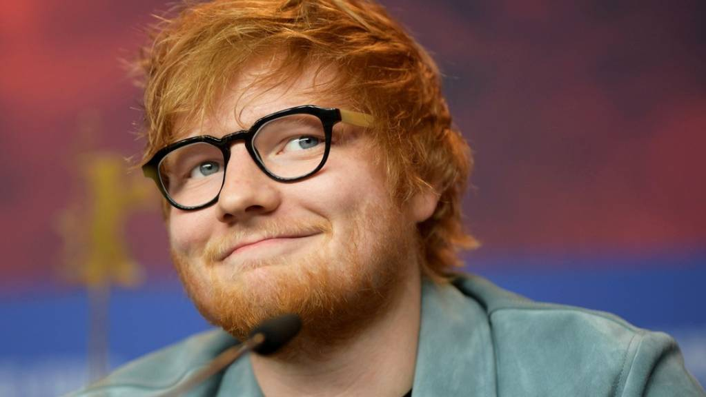 Für einen guten Zweck: Der britische Sänger Ed Sheeran hat bei seinem «Kumpel» Prinz Harry geläutet.
