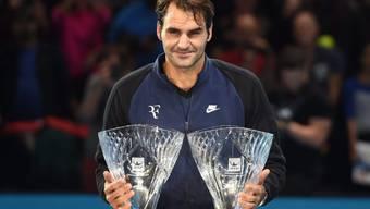 Zwei weitere Pokale in der Sammlung von Roger Federer: In London wurde er mit dem Sportsmanship Award und als Fan Favourite geehrt