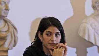Soll den Beauftragen für Korruptionsbekämpfung in Rom belogen haben: Bürgermeisterin Virginia Raggi. (Archivbild)