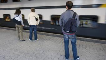 Heute haben Pendler einen Direktzug Dietikon-Basel. Ab 2035 können sie womöglich nur zusehen, wie er vorbeizieht.