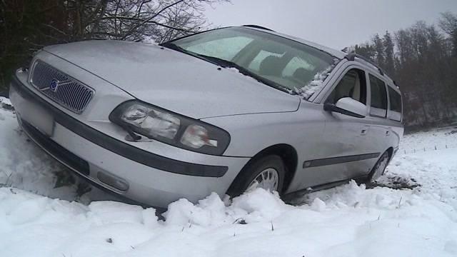 Überraschender Schneefall führt zu zahlreichen Unfällen