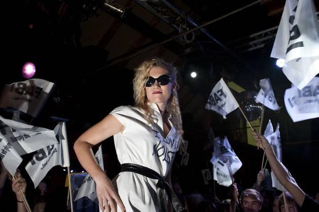 Fabienne Müller (18) aus Mühledorf hatte zahlreiche Fans an der Miss-Solothurn-Wahl im Schützenhouse in Wangen a/A.