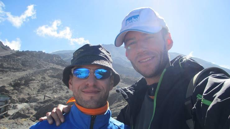 Das Selfie auf 4700 m.ü.M am Kilimanjaro (Tanzania) von Michael, 39 (links) aus Aarau und Alex du Bois (37) aus Unterentfelden