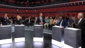 (v.l.n.r.) Gerhard Pfister (CVP), Isabelle Moret (FDP), Moderator Jonas Projer, Verena Nold, (Krankenkassenverband Santésuisse), Hans Stöckli (SP)