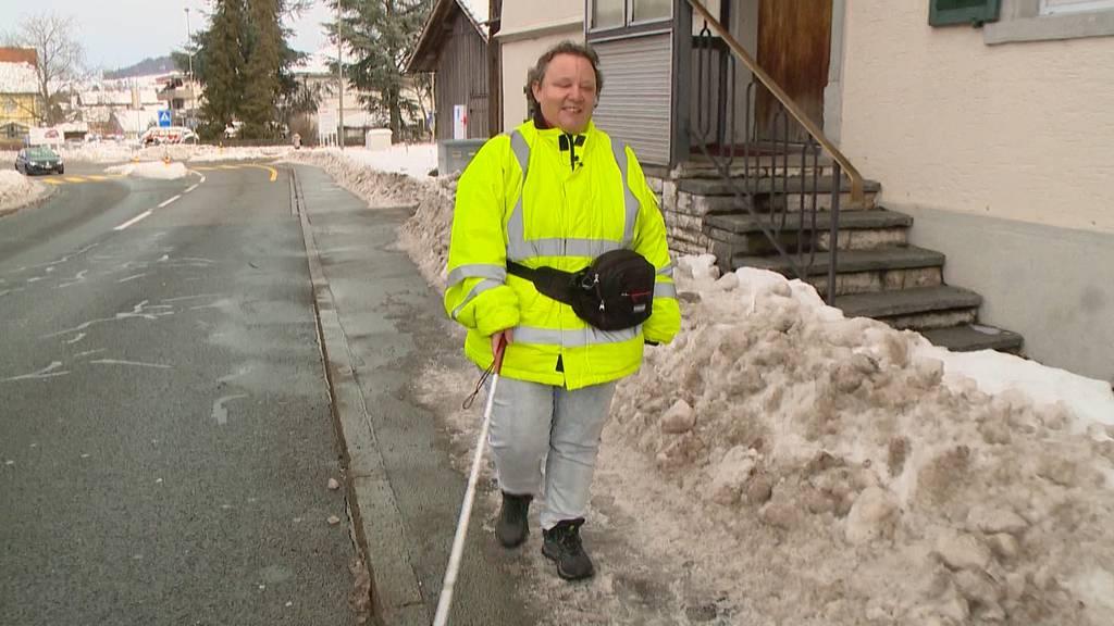 Ungeräumte Strassen verursachen Probleme für Blinde