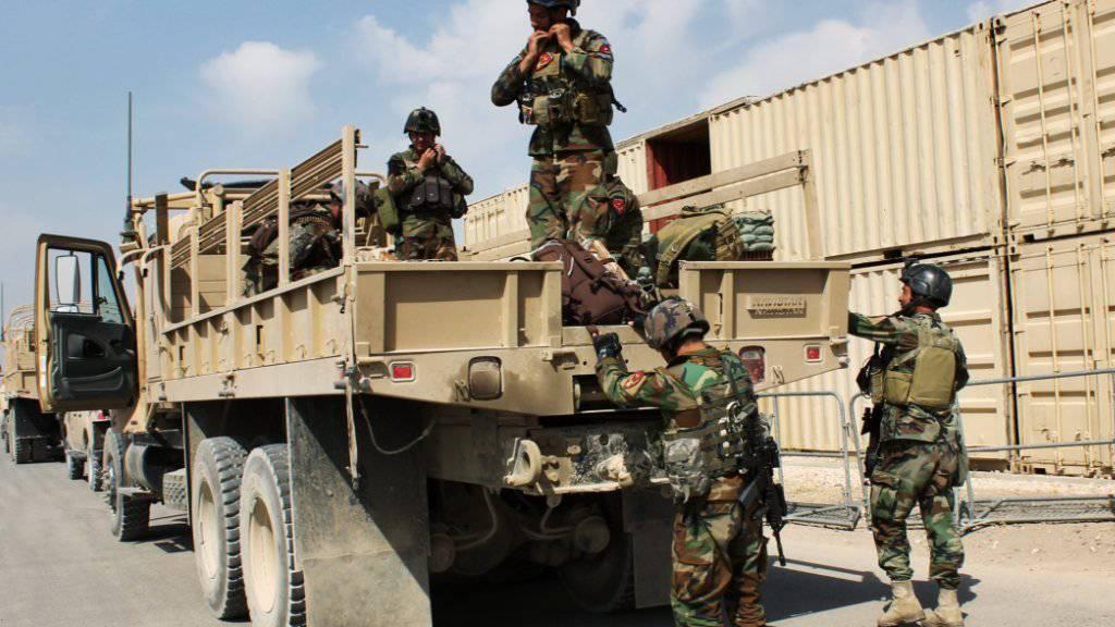 Afghanische Einheiten während der Gegenoffensive in Kundus