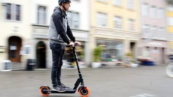 Ab diesem Samstag auch auf Winterthurer Plätzen, Strassen und Velowegen anzutreffen. Die E-Trottinetts von Go Flash.