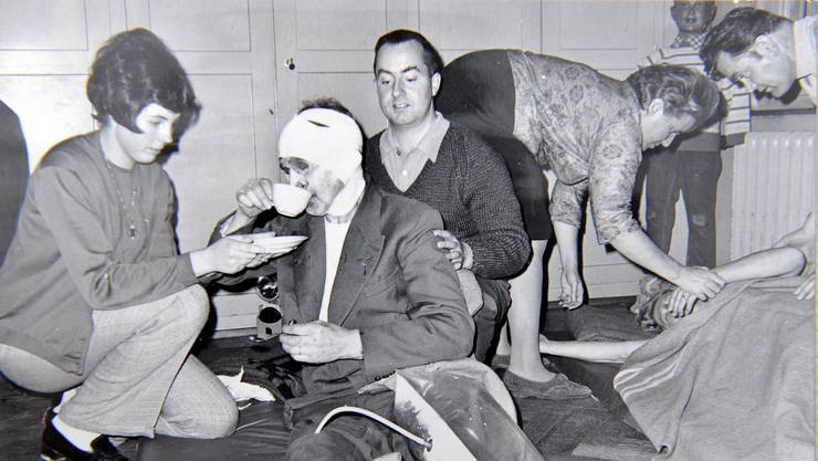 Bild einer Übung aus dem Jahr 1969 mit «Schwerverletzten».  zvg