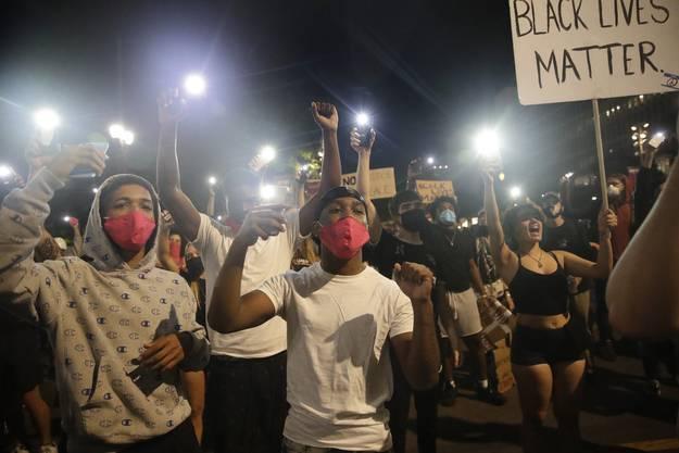 Seit Ende Mai und dem Tod von George Floyd protestieren in den USA Hundertausende gegen Rassismus, Polizeigewalt und soziale Ungleichheit.