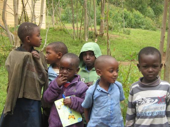 Das Hilfswerk nimmt sich auch der Betreuung verwahrloster Kinder an.