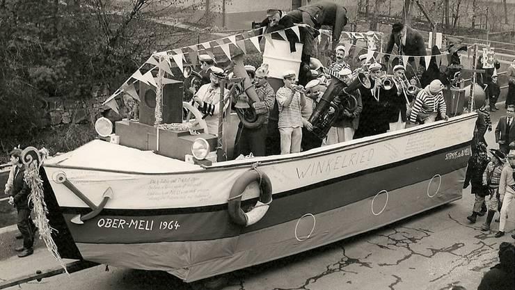 Am Fasnachtssonntag 1964 fuhren aufständische Fasnächtler mit einem Piratenschiff zum Restaurant Schiff in Ryburg. zvg