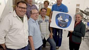 Das Organisationskomitee des Dorffestes Gansingen 2015 präsentiert den Etikettenvorschlag für das Festbier.