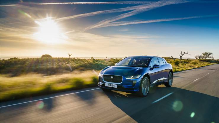 Daumen nach oben: Der Jaguar i-Pace ist ein Blickfang.