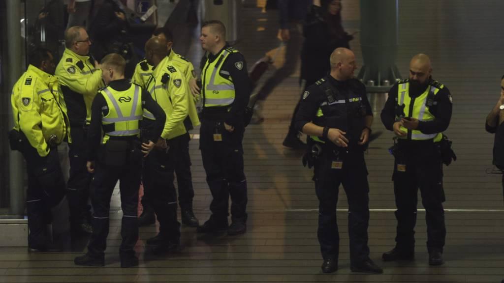 Fehlalarm in Flugzeug löst Flughafen-Grosseinsatz aus