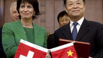 Bundesrätin Leuthard bei Chinas Transportminister Yang Chuantang