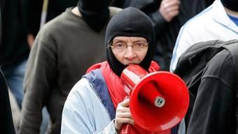 Die Linksaktivistin Andrea Stauffacher an der 1. Mai-Demo 2006 in Zürich.jpg