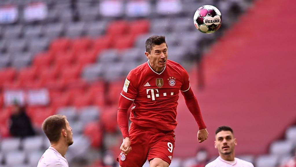 Robert Lewandowski und Bayern München liessen sich auch durch eine frühe Rote Karte nicht aus dem Konzept bringen.
