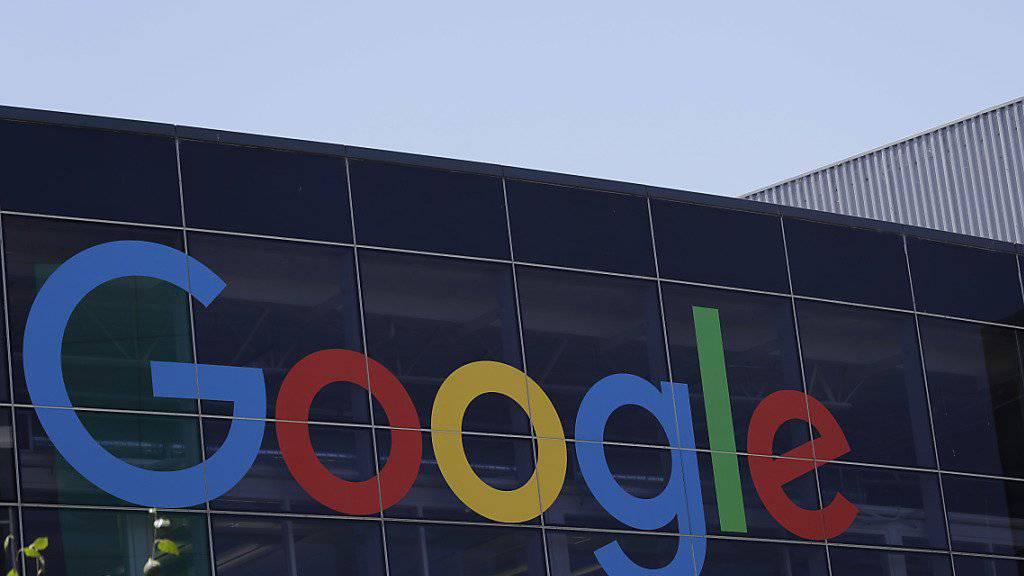 Kompromiss beim neuen EU-Urheberrecht: Künftig soll Google für das Anzeigen von Artikel-Ausschnitten den Verlagen etwas zahlen.
