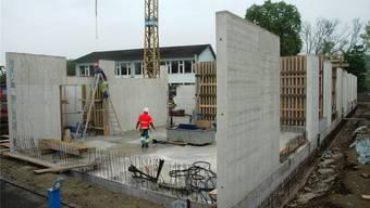 Der Baustopp fürs neue Schulhaus in Laufen bewegt und erreicht nun auch die Politik.