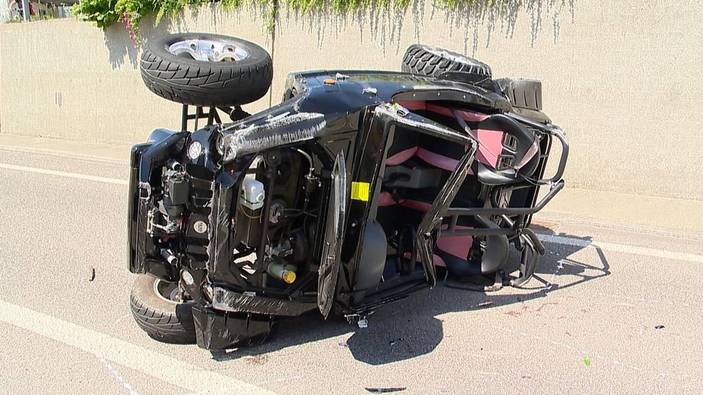 Unfall mit Buggy auf Autobahn fordert mehrere Verletzte