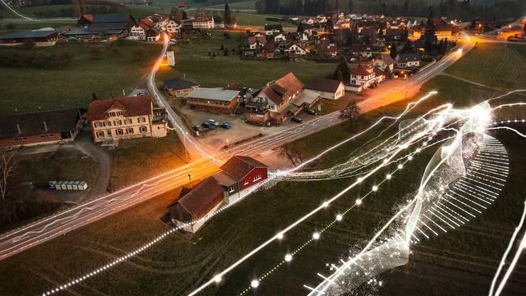 Der Bundesrat will Festnetzleitungen stärker regulieren, was den privaten Anbietern zugute käme. Doch die nationalrätliche Fernmeldekommission lehnt das ab. Das freut die Swisscom.