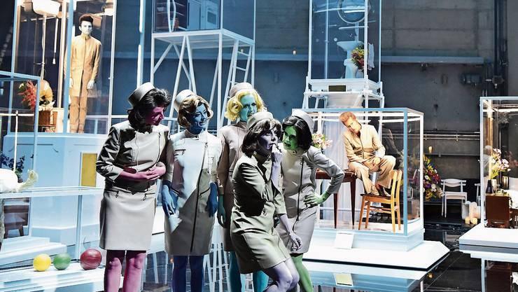 Am Theater Basel finden bis am 15. März keine Vorstellungen statt. Szene aus «In den Gärten oder Lysistrata Teil 2».
