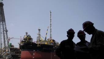 Eine Petrobras-Ölplattform im Bau (Archiv).