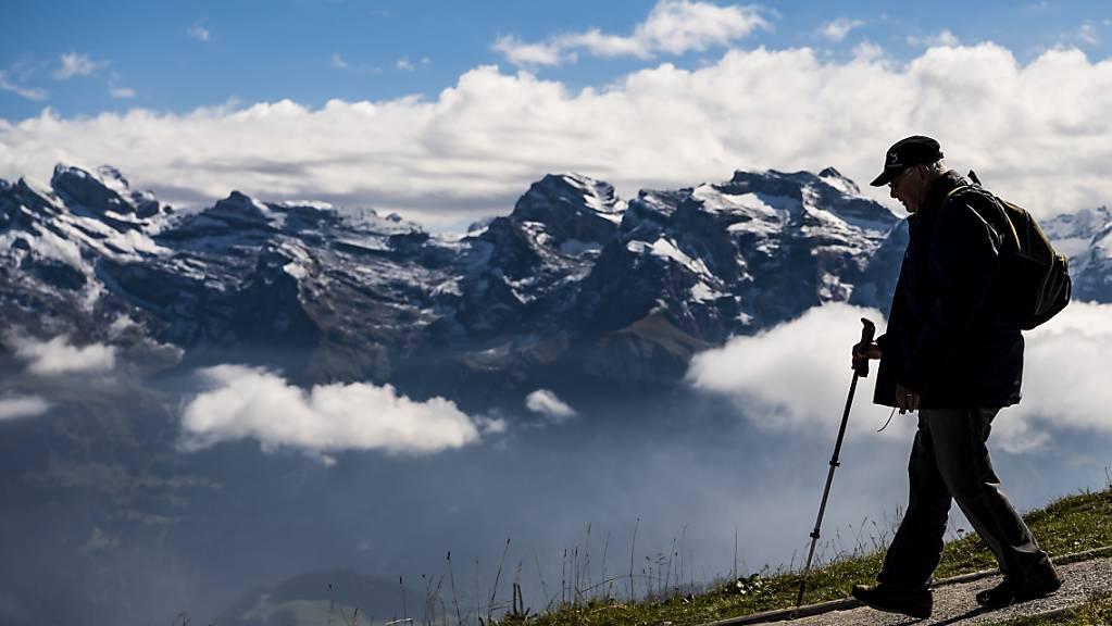 Bei einem Bergunfall an der Nordostseite des Stanserhorns ist am Montagabend ein 50-jähriger Wanderer tödlich verunfallt. (Symbolbild)