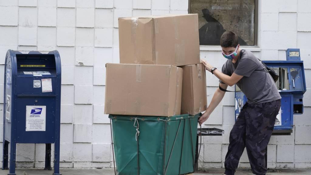 Post-Chef wird zum Streit über die Briefwahl aussagen