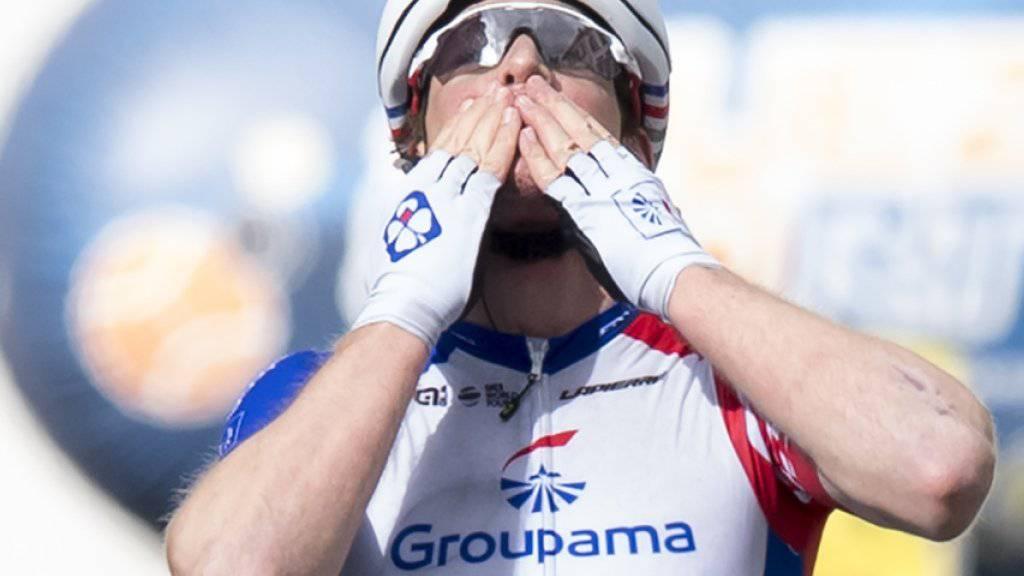Die Freude beim Überqueren der Ziellinie ist gross. Der Thurgauer feiert seinen dritten Etappensieg bei der Tour de Romandie nach 2015 in Freiburg und 2017 in Bulle. Es ist sein insgesamt zehnter Sieg als Profi
