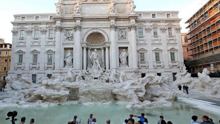 Berühmtes Wahrzeichen Roms: der restaurierte Trevi-Brunnen