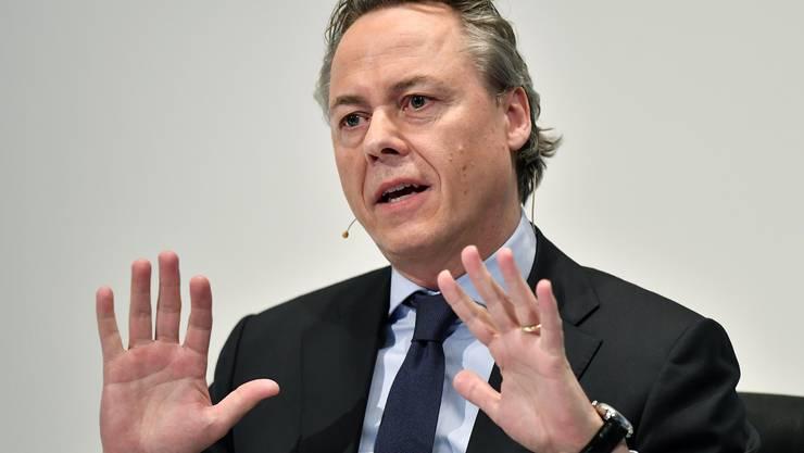 """Der neue UBS-Lenker Ralph Hamers verdiente bislang """"nur"""" 2 Millionen Franken im Jahr, 6-mal weniger als die Schweizer Grossbankchefs."""