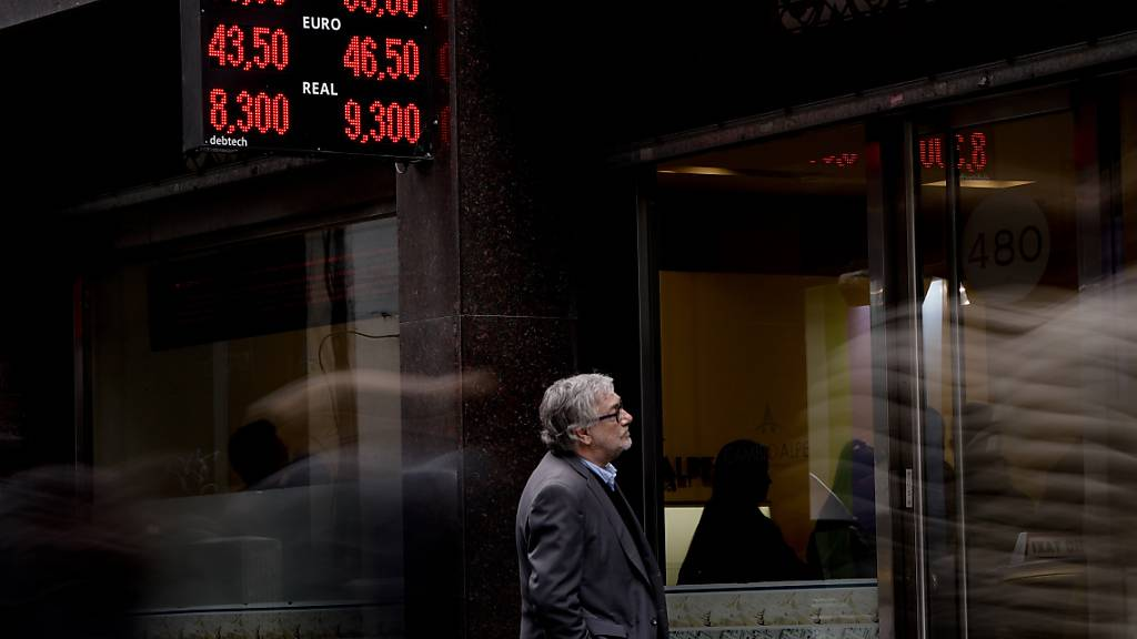 Die amerikanischen Ratingagenturen haben den Daumen bezüglich der Kreditwürdigkeit von Argentinien gesenkt. (Symbolbild)
