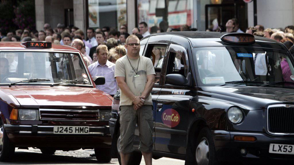 In Zukunft werden durch London auch «Black Cabs» mit Hybrid-Motoren fahren. (Archiv)