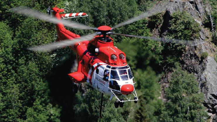 Diese Super Puma Helikopter stehen am Montag im Einsatz