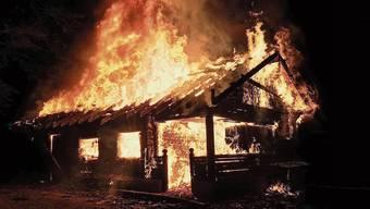 Brandstifter zerstörten das alte Waldhaus Galgenholz komplett. Der Wiederaufbau soll noch in diesem Jahr starten.