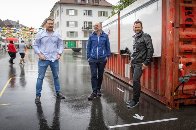 Sichtlich erfreut über ihre erfolgreiche Gutscheine-Aktion (v.l.n.r.): Marc Hilfiker (Finanzen), Andreas Jäggi ( Co-Präsident) und Reto Spiegel (Kommunikation) von Gewerbe Olten.