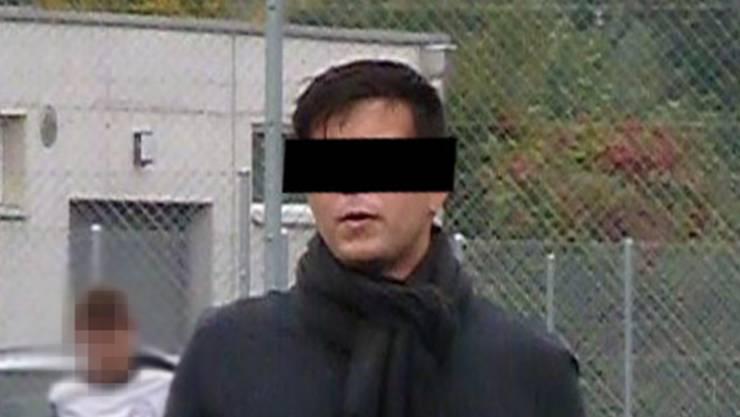 Dieses Bild von ihm kursiert schon kurz nach seiner Festnahme im Mai 2016 in den Medien.