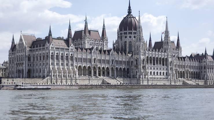 Eine zweite Ratingagentur hat sich für die ungarische Volkswirtschaft optimistischer als auch schon gezeigt und ihre Bonitätsnote für das Land angehoben. (Archivbild)