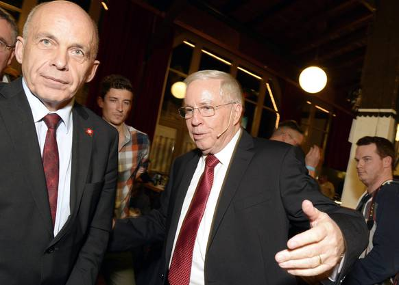Bundesrat Ueli Maurer, links, und Alt-Bundesrat und Nationalrat Christoph Blocher