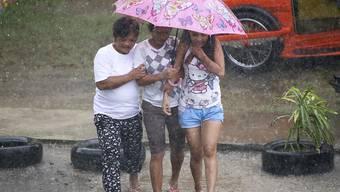 """Der Taifun """"Mangkhut"""" ist auf den Philippinen am Freitagabend (MESZ) auf Land getroffen. Er entfaltete Windgeschwindigkeiten von bis zu 205 Kilometern pro Stunde."""