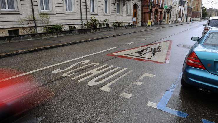 Die Sevogelstrasse in Basel soll zur 30er Zone werden.