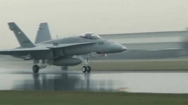 F/A-18-Crash: In die Felswand gelotst?