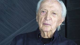 Der Maler und Gravierer Pierre Soulages (98) ist einer der bedeutendsten lebenden Künstler Frankreichs. Bis November zeigt die Fondation Gianadda in Martigny 30 Werke von ihm aus 70 Jahren. (Archivbild)