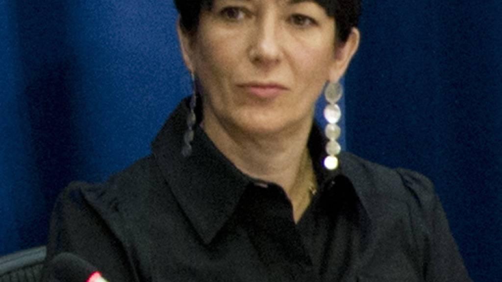 Sexualverbrechen: Ex-Partnerin von Jeffrey Epstein festgenommen
