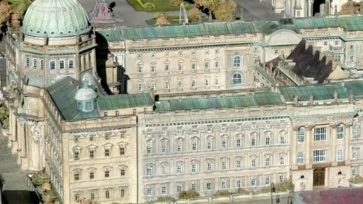 Das 1950 gesprengte Berliner Stadtschloss (hier ein Modell) steht schon fast wieder (Archiv)