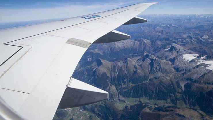 Rundflug über die Alpen.