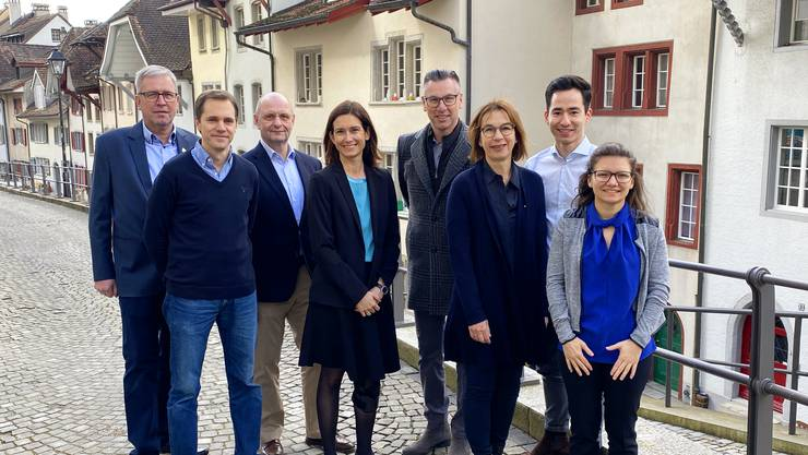 Sie kämpfen für den Zukunftsraum (v.l.): Jürg Amsler (Densbüren), Patrik Herzog (Unterentfelden), Guido Scherer (Unterentfelden), Maja Riniker (Suhr), Harry Knaus (Oberentfelden), Danièle Zatti (Aarau), Yannick Berner (Aarau), und Laura Rufer (Unterentfelden). Es fehlt: Dieter Lüscher (Oberentfelden).